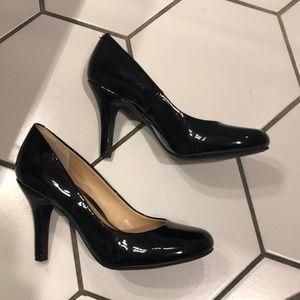 Brand new Kelly & Katie shiny heels!